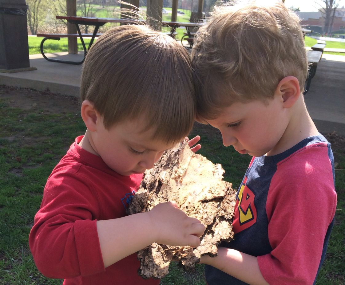 Villa Madonna Montessori Photo - Outdoor exploring is one of our favorite things at Villa Madonna Montessori!