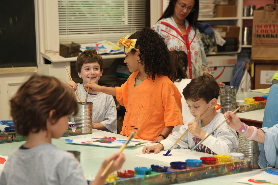 Riverdale Country School Photo - Lower School art class