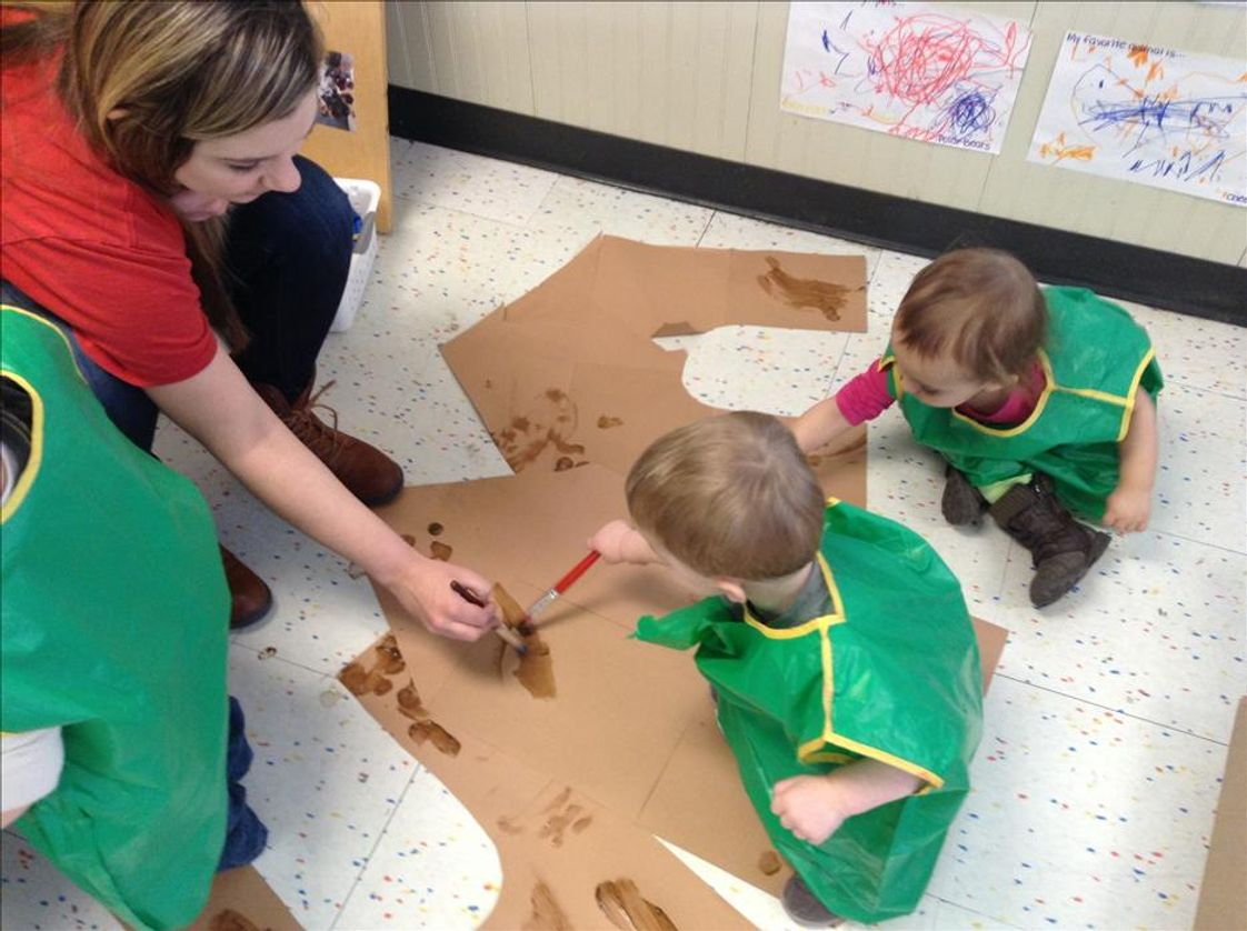 Grayslake KinderCare Photo #1 - Our Discovery Preschool teachers encourage the children to use art as a form of self-expression.