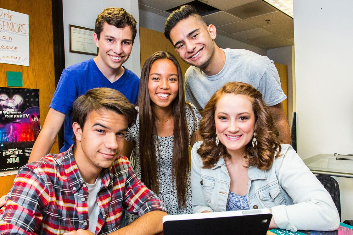 Futures Academy - Carlsbad Photo - Futures Academy's high quality academic one-to-one learning program includes social activities and onsite study areas for completing schoolwork assignments.