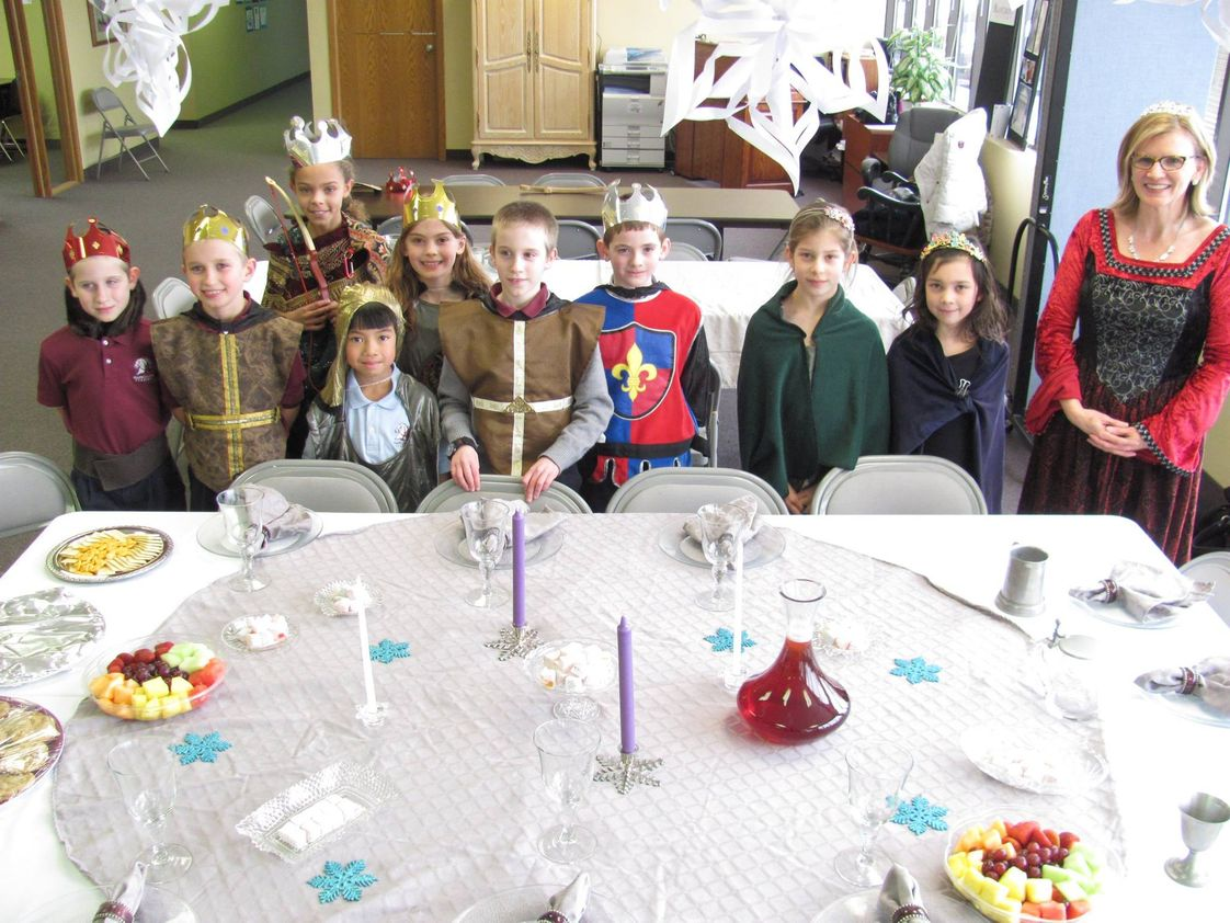 Agape Christi Academy Photo - 3rd and 4th graders celebrate reading The Lion, the Witch and the Wardrobe with a Narnia feast.